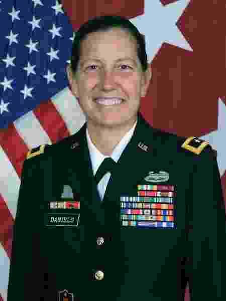 A major-general Jody Daniels, 58 - Reserva do Exército dos EUA