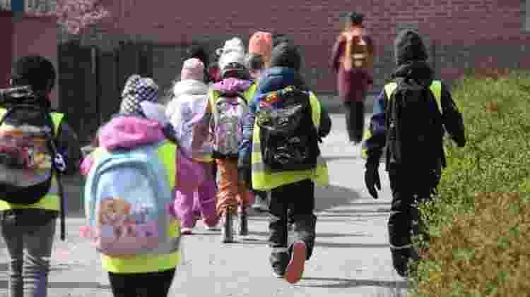 Escolas finlandesas retomaram aulas depois de terem fechado por causa da pandemia - Reuters - Reuters