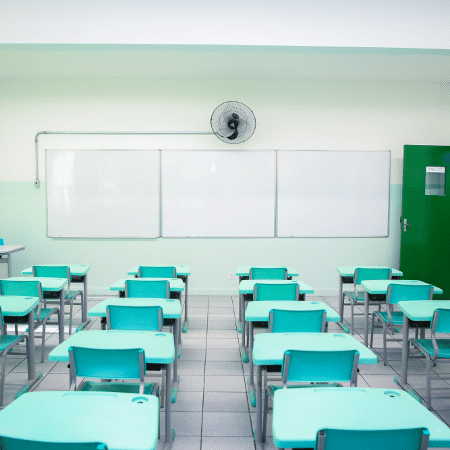 Sala de aula da EMEF Olvao A.B. Spinola, em Osasco (SP). Aulas da rede municipal só voltam em 2021 - Divulgação/Prefeitura de Osasco