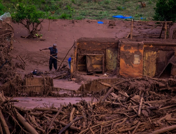 Avalanche de lama destruiu parte baixa de Gesteira