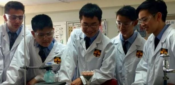Adolescentes australianos conseguiram sintetizar 3,7 gramas do princípio ativo do Daraprim por US$ 20