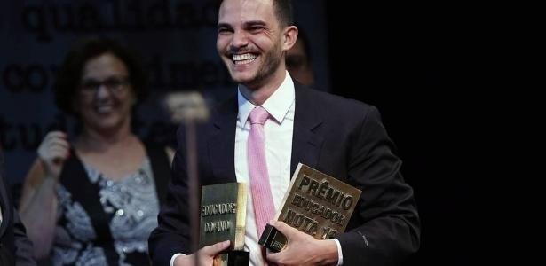 """Eleito educador do ano em 2016, capixaba de 26 anos concorre agora a prêmio considerado """"Nobel da Educação"""""""