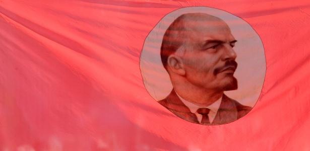 Tudo começou com a morte de Vladmir Lenin (foto) --revolucionário comunista e chefe de governo da República Russa