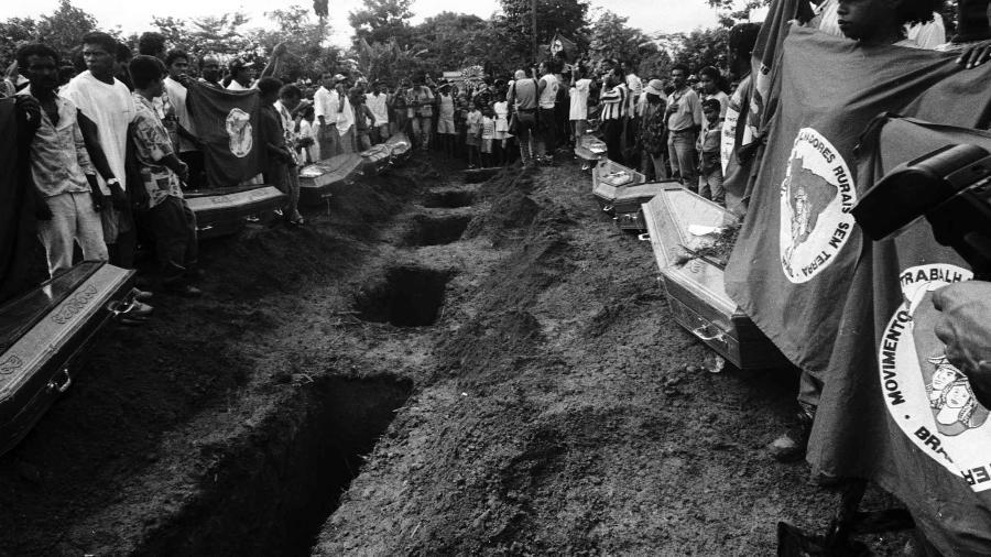 Além dos 19 que morreram no dia do ataque, outros dez faleceram dias ou anos depois por conta dos ferimentos e sequelas, segundo associação - João Roberto Ripper/Imagens Humanas