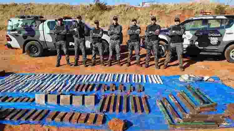 31.ago.2021 - Policiais militares retiraram 98 explosivos espalhados por Araçatuba pelos criminosos - Divulgação/PM-SP - Divulgação/PM-SP