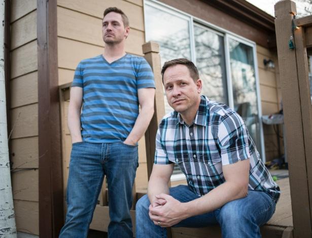 Marty (à esq.) e Matthew Reiswig têm histórico familiar de mal de Alzheimer