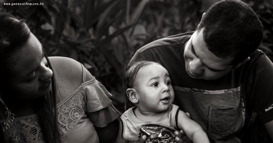 """30.jun.2016 - O objetivo do projeto """"MacroAmor""""  era retratar essas famílias em momento de lazer e descontração"""
