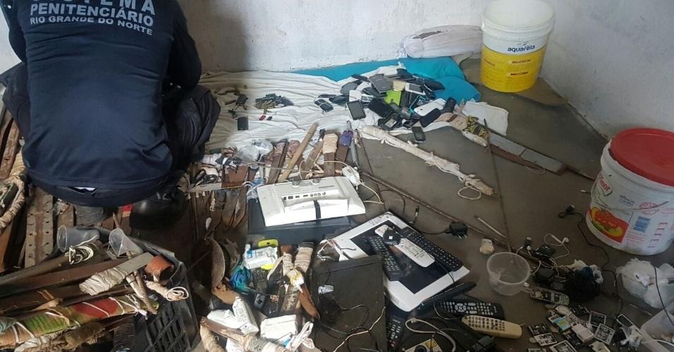 27.jan.2017 - Imagem mostra como a Força Nacional Penitenciária encontrou o interior do Pavilhão 5 de Alcaçuz após retomar o controle do presídio