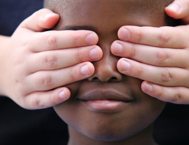 Estudo mostra como racismo se manifesta em famílias com membros de diferentes raças
