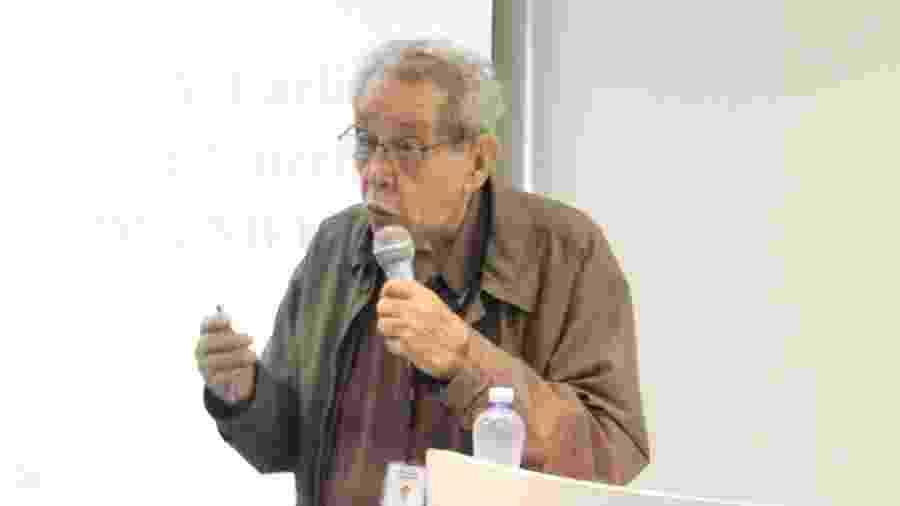 Elisaldo Carlini foi condecorado pelo ex-presidente FHC por suas pesquisas acadêmicas sobre maconha - José Luiz Guerra/Imprensa-Unifesp