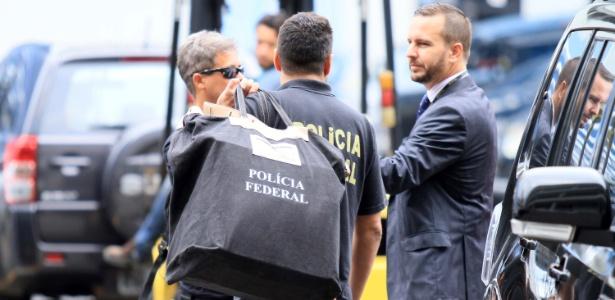 Movimentação na sede da Polícia Federal no Rio durante desdobramento da Operação Lava Jato - José Lucena/Futura Press/Estadão Conteúdo