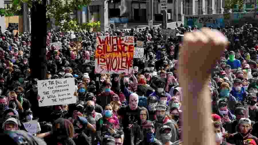 Zona sem policiamento foi criada após ocupação dos manifestantes há três semanas, em Seattle - LINDSEY WASSON/REUTERS