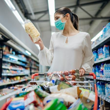 Os dados apontaram que o maior impacto positivo no mês foi exercido por alimentação, cujos preços subiram 2,24% - Getty Images