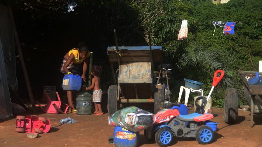 Comunidade formada por antigos catadores de lixo no bairro da Serraria, em Maceió - Beto Macário/UOL