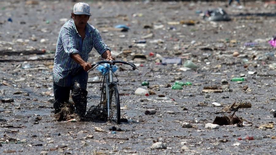 Cheia córrego El Seco provocou inundações nas ruas de Zapopan, no estado de Jalisco (México) - Ulises Ruiz/AFP