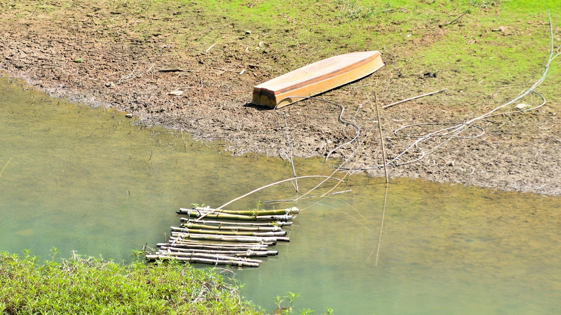 7.out.2015 - Imagem da represa do Jaguari, que abastece o Sistema Cantareira, em São Paulo. O sistema está com mais água do que há um ano