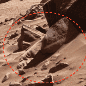 """O site """"Ufo Sightings Daily"""" também identificou o que seria um """"rosto alien"""" em uma das rochas, nesta imagem feita pelo robô Curiosity em Marte - Nasa/Ufo Sightings Daily"""