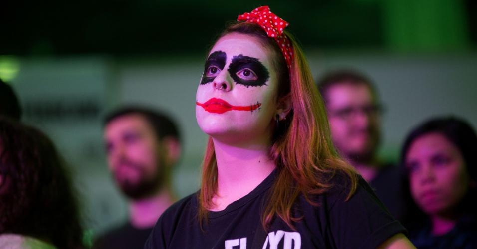 22.jan.2016 - Além dos desenhos, muita gente chamou atenção pelas fantasias usadas durante o primeiro dia da Convenção Internacional Tattoo Week 2016, que acontece no Rio de Janeiro