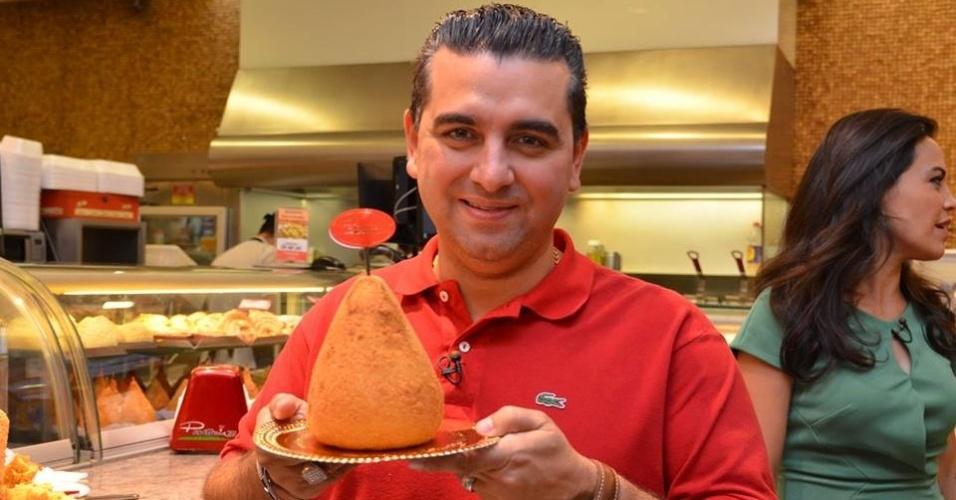 O confeiteiro norte-americano Buddy Valastro, o Cake Boss, conheceu a coxinha de um quilo da Panetteria ZN