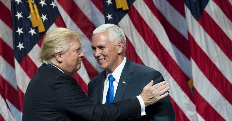 16.jul.2016 - O virtual candidato republicano à presidência dos Estados Unidos Donald Trump fala antes de apresentar Mike Pence, governador de Indiana, durante um evento em Nova York neste sabado (16). Na sexta-feira, Trump anunciou no Twitter que ele escolheu Pence para ser seu companheiro de chapa