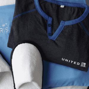 A United Airlines oferece até um par de pantufas para os clientes mais endinheirados - Divulgação