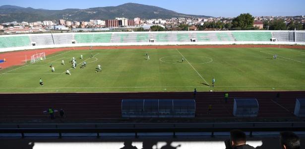 Estádio Olímpico Adem Jashari em Mitrovica, Kosovo, hoje utilizado pelo KF Trepca