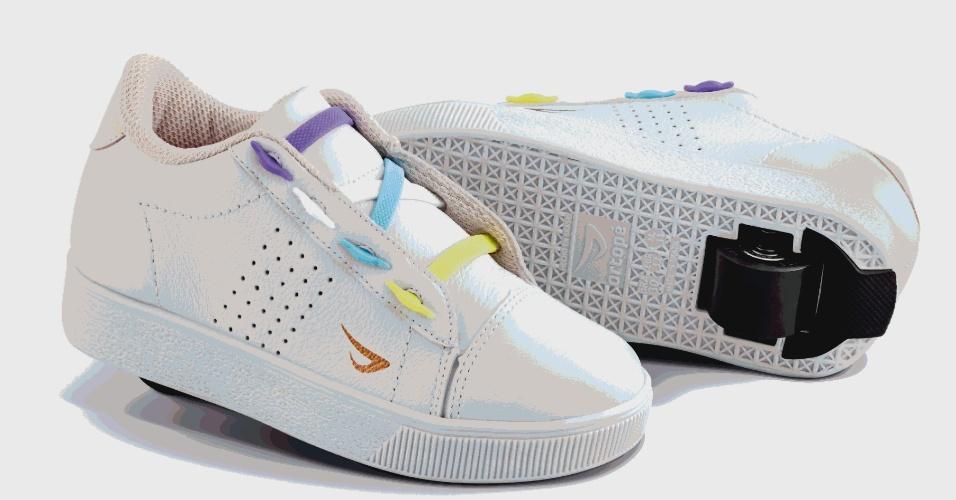 Ortopé espera vender 500 mil pares do tênis. Modelo branco sai por R$ 369,90