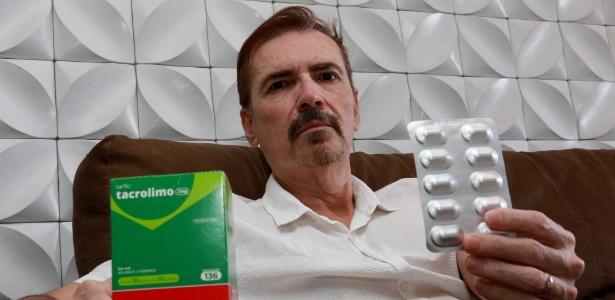 O aposentado Wilson de Oliveira, 51, fez um transplante de fígado e sofre para conseguir o remédio para não ter rejeição do órgão