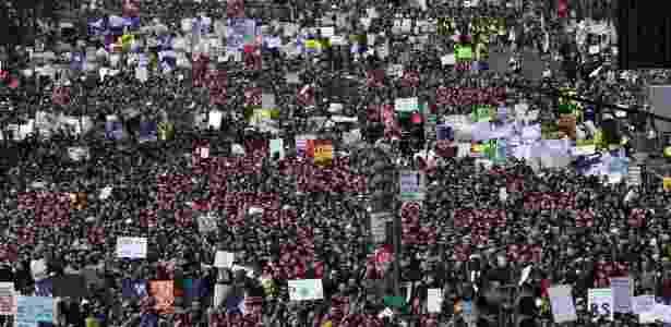 24.mar.2018 - Multidão aglomerada durante a manifestação March for Our Lives em Washington, Estados Unidos - Nicholas Kamm/AFP - Nicholas Kamm/AFP