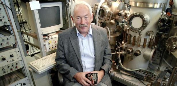 Peter Grunberg ajudou a descobrir o fenômeno chamado que permitiu a criação de minúsculos discos de memória presentes em aparelhos de MP3