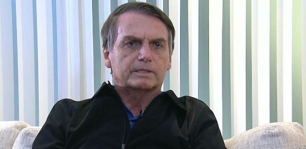 Jair Bolsonaro concede sua primeira entrevista à TV Record, na segunda