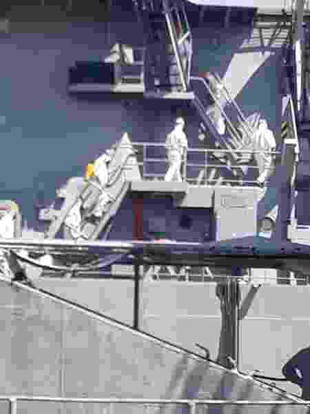 Processo de descontaminação no navio Almirante Saboia - divulgação