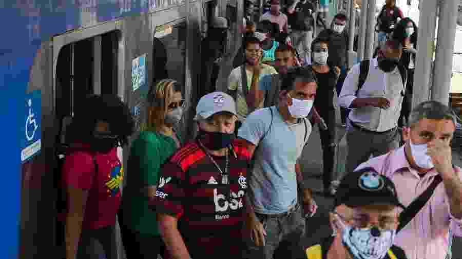 8.jun.2020 - Passageiros desembarcam na Estação da Central do Brasil, no centro do Rio - WILTON JUNIOR/ESTADÃO CONTEÚDO