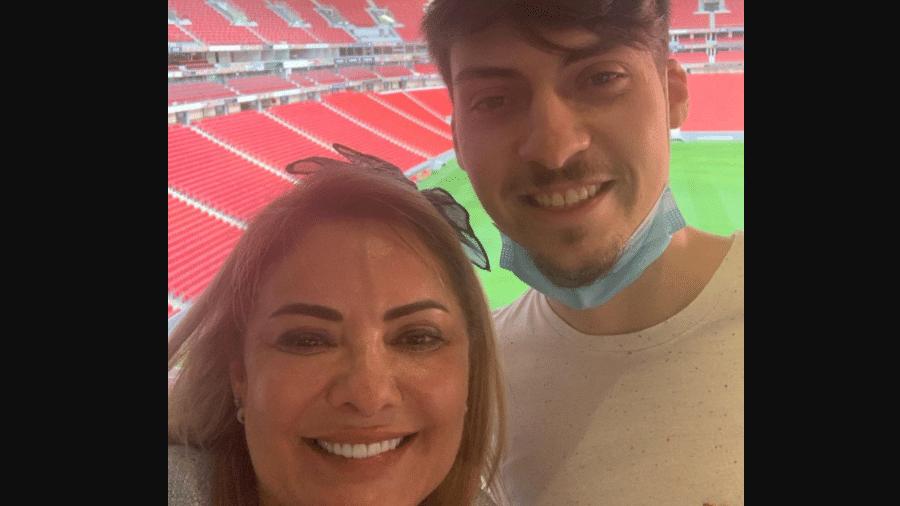 Ana Cristina Siqueira Valle e o filho, Jair Renan Bolsonaro - Reprodução/Instagram