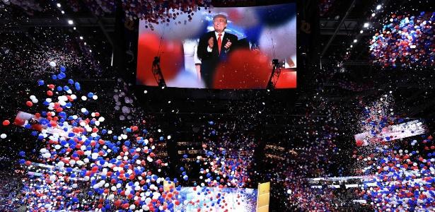 Telão mostra o candidato Donald Trump no encerramento da convenção do Partido Republicano, em Cleveland, EUA