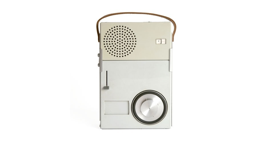 Vitrola e receptor de rádio da Braun (1959). Esse é um dos objetos extintos que integram a enciclopédia virtual criada pela startup russa Thngs para eternizar tecnologias do passado
