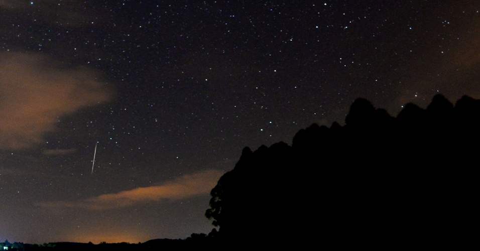 14.dez.2017 - A Nasa (Agência Espacial Americana) informou também que os astrônomos terão a chance de estudar melhor o Faetonte este ano, quando o objeto vai passar o mais perto da Terra desde a sua descoberta em 1983. De acordo com a Organização Internacional de Meteoros, a chuva de meteoros do 3200 Faetonte é uma das únicas chuvas importantes produzidas por asteróides e não por um cometa