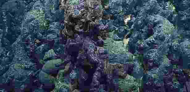 A lava submarina também tem aspecto de vidro - BILL CHADWICK-NOAA - BILL CHADWICK-NOAA