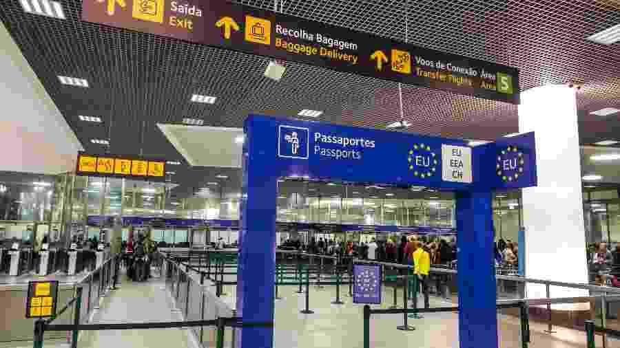 Imagem da imigração no aeroporto de Lisboa, em Portugal - Jeffrey Greenberg/Universal Images Group via Getty Images