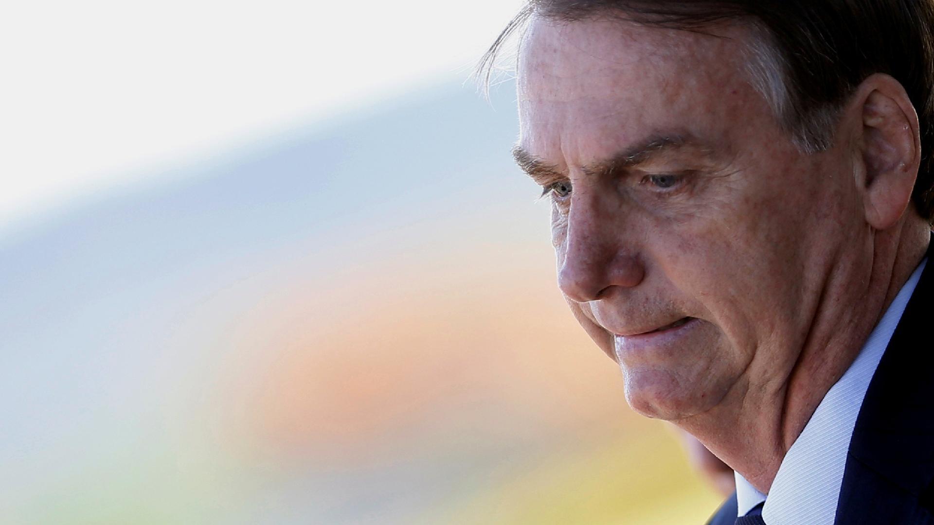 Irritado com perguntas sobre investigação de Flávio, Bolsonaro ataca jornalistas - 20/12/2019 - UOL Economia