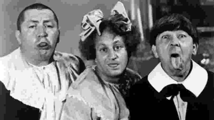 """Curley, Larry e Moe: o trio fez muito sucessos na TV e no cinema como """"Os Três Patetas"""". Tratava-se de uma mistura que juntava o bobalhão, o burraldo e o agressivo. Juntos, eram notavelmente atrapalhados e incompetentes. Comédia tem dessas coisas - Columbia Pictures/Divulgação"""