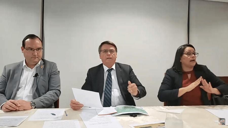 29.abr.2021 - O presidente da Funai e delegado da PF, Marcelo Xavier, em live com Jair Bolsonaro - Reprodução/YouTube