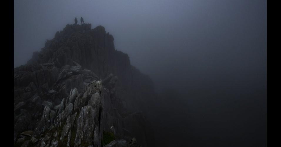"""4.jan.2016 - Montanha Tryfan, no País de Gales, foi retratada na foto vencedora da categoria """"Live the Adventure"""" (aventura), de Greg Whitton"""