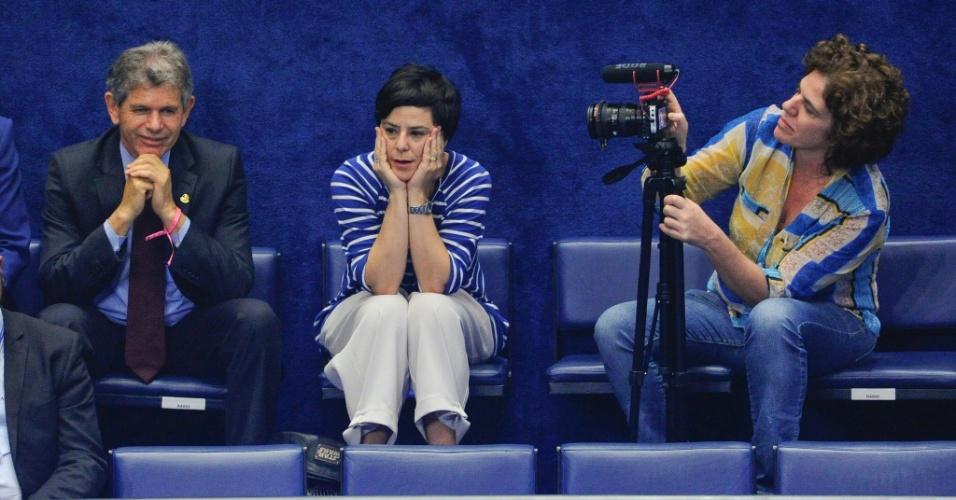 30.ago.2016 - A cantora Fernanda Takai acompanha sessão de julgamento do processo de impeachment contra a presidente afastada, Dilma Rousseff, no Senado Federal, em Brasília. Ela esteve mais cedo no Palácio da Alvorada em visita a Dilma