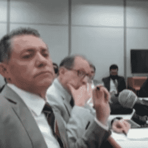 O ex-tesoureiro do PT Paulo Ferreira (à frente), em depoimento à Justiça - Reprodução