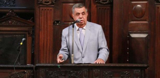 30.mar.2017 - Deputado Jorge Picciani (PMDB) fala na tribuna da Alerj e se defende um dia após ser conduzido coercitivamente pela PF