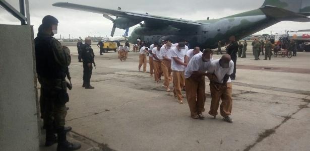 Membros das facções foram transportados pela FAB por receio de emboscada terrestre