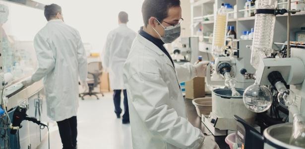 Laboratório da Hutchison China MediTech em Xangai