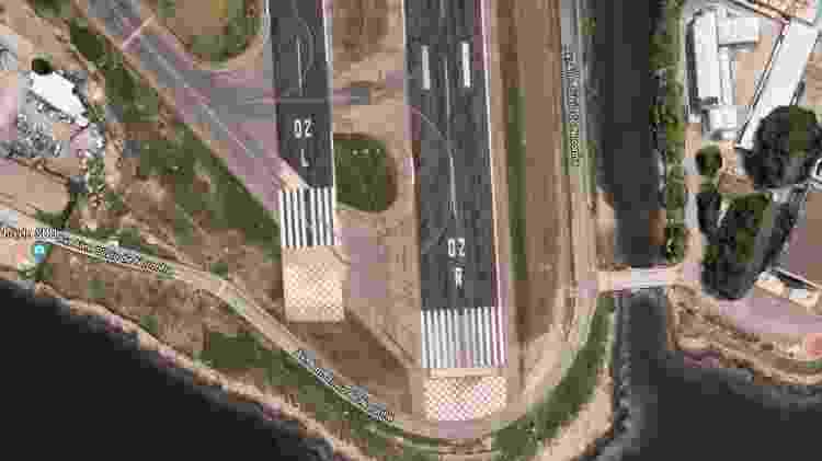 Com duas pistas, como no aeroporto Santos Dumont, no Rio, além do número há também as letras L (left) e R (right), de esquerda e direita - Reprodução - Reprodução