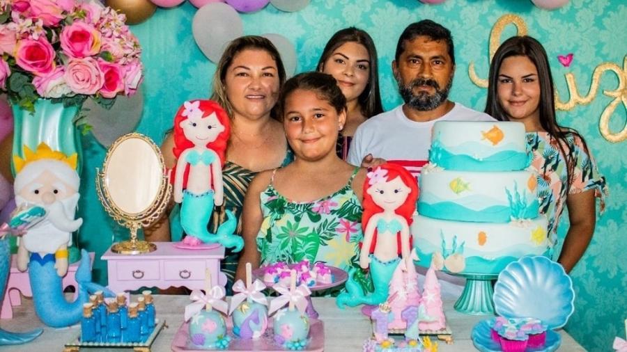 Érika, Luiza, Izabela, Afonso e Maria Eduarda: pais e filhas morreram em um acidente rodoviário - Reprodução/Redes sociais